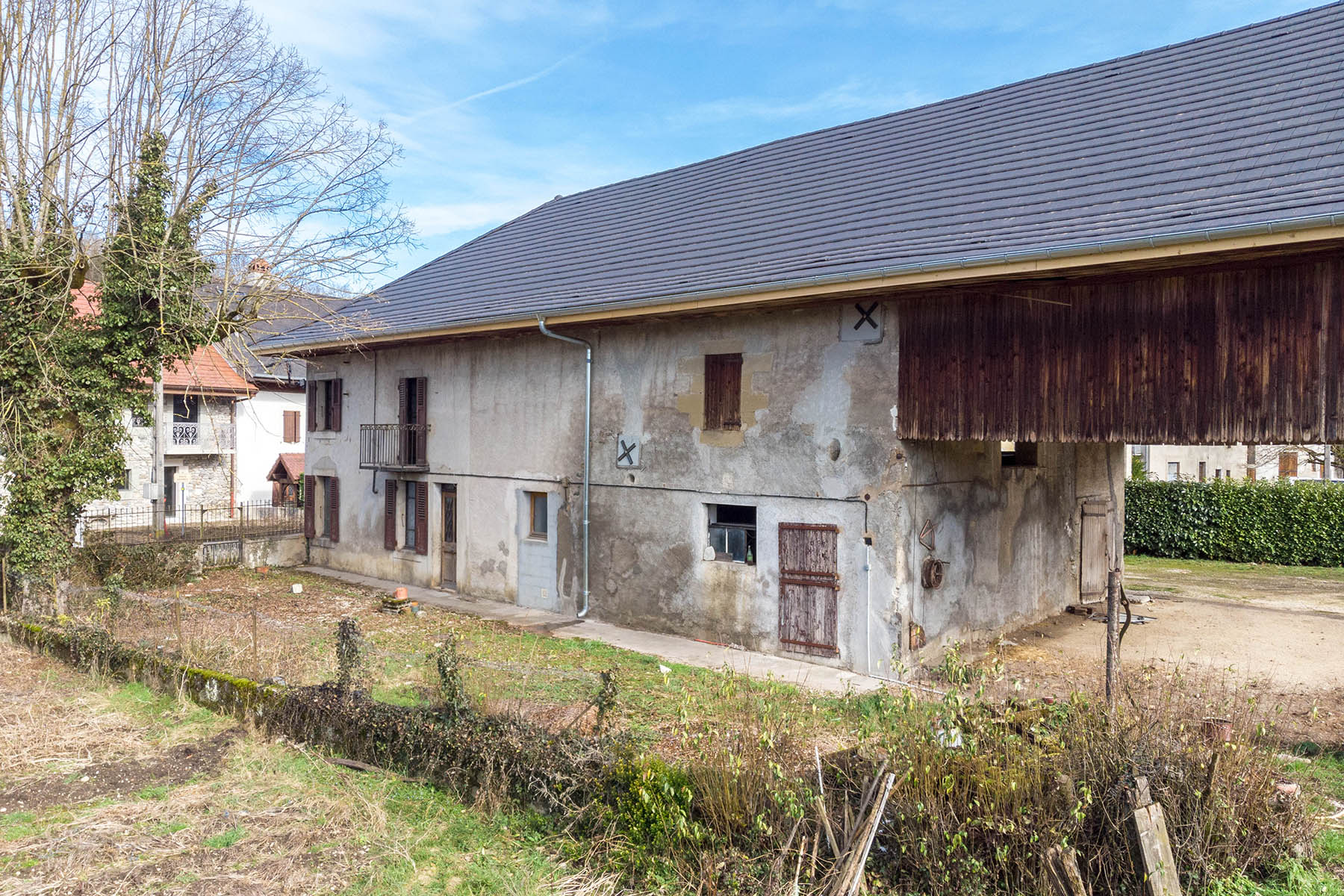 Terrain, grange Hauteville-sur-Fier